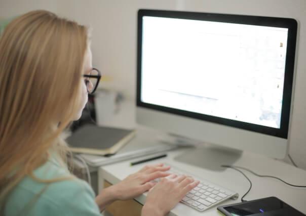 格安の英文校閲をお求めならCorrecdocsにお任せ!ホームページ・サイト・ブログで自然に読める文章を
